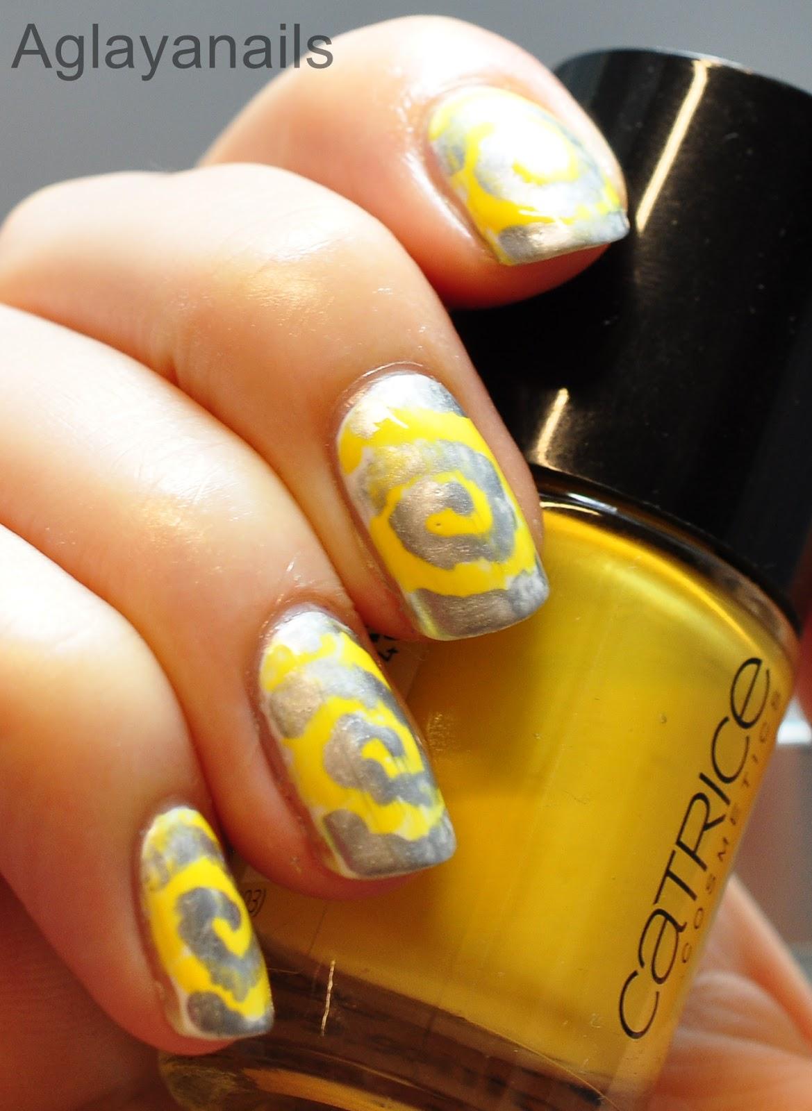 Aglayanails: 40 Great Nail Art Ideas: Yellow & Silver