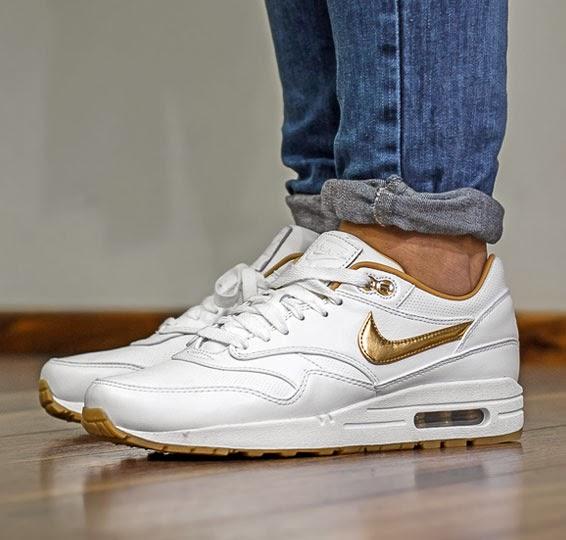 best website 635b8 1fc9e Nike - Air Max 1 FB Woven - white metallic gold