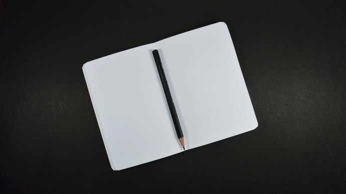 Wallpaper: Notebook and Pencil