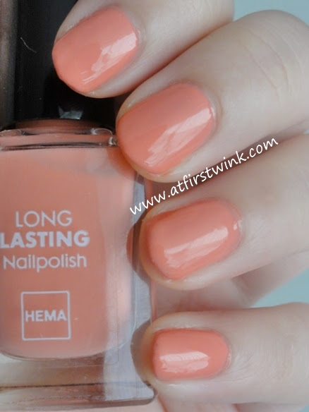 HEMA Long Lasting nail polish number 813 - Dark Salmon