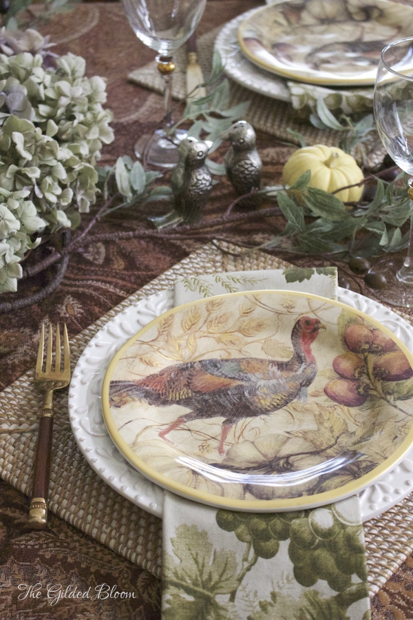 Thanksgiving Table Setting- Creating a Mix-and-Match Thanksgiving Table- www.gildedbloom.com