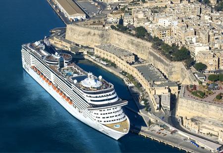 World's Biggest Cruise Ships - Pix Magazine