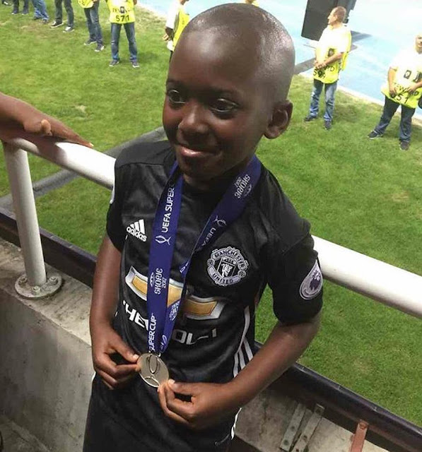 Man United manager gives his UEFA Super Cup medal to a Nigerian kid, explains why