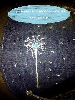 portatelecomandi cucito in jeans con ricamo dandelion