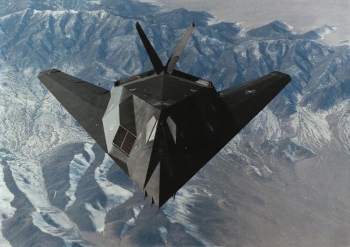 طائرة الشبح F117 Nighthawk