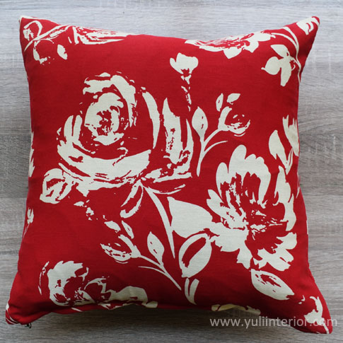 Red Rose Throw Pillows in Port Harcourt, Nigeria