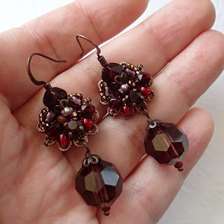 #vintagestyle #darkred #red #earrings #vintage #style #rhinestones #rhinestoneearrings #jewelry