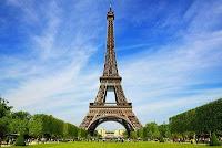 Ce exista in varful Turnului Eiffel