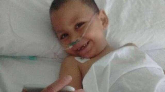 """MILAGRE: Garoto de três anos cai da varanda quase 100 metros e sobrevive - """"Algo aconteceu lá"""", disse a Médica"""
