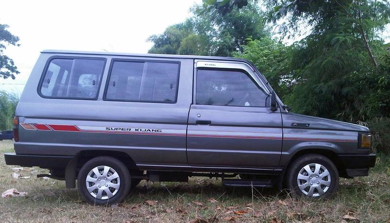 Dijual Mobil Bekas Solo - Toyota Kijang
