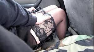 сделала пристает в машине смотреть видео было