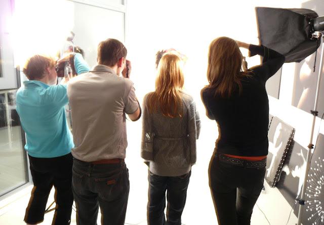 Studio portret leren maken, flitsset en vaste lampen, compositieleer