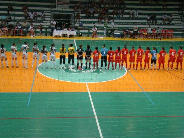 Pinda (branco) e kurdana Cotia (vermelho) - apresentação das atletas 5468d5d9b7ed6