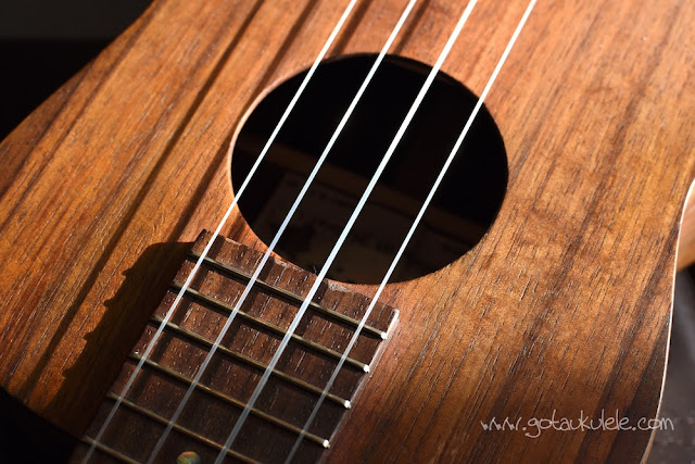 Aquila AGxAQ ukulele strings on kanile'a