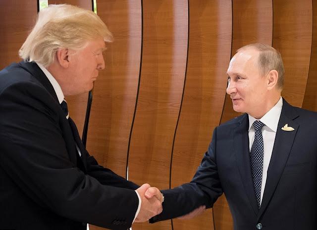 Donald Trump e Vladimir Putin finalmente se encontraram, os dois líderes apertaram as mãos nos bastidores da reunião do G20.