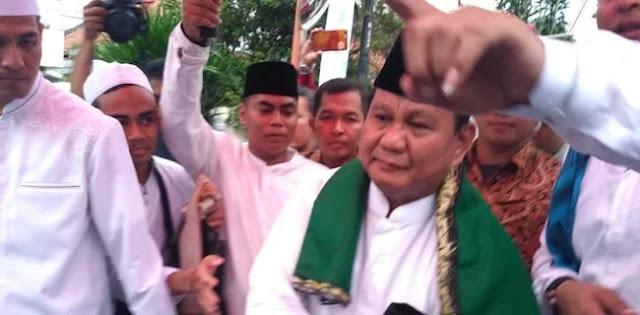 Prabowo Jadi Presiden Menggema di Haul Habib Kwitang
