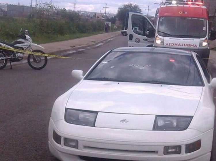 Ejecutan a hombre a bordo de su vehículo deportivo en Uriangato