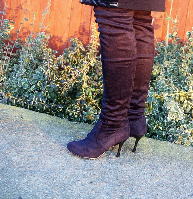 Zeagoo Autumn Winter Fashion Women Faux Suede Casual Women Over the Knee Stretchy High Heel Boots