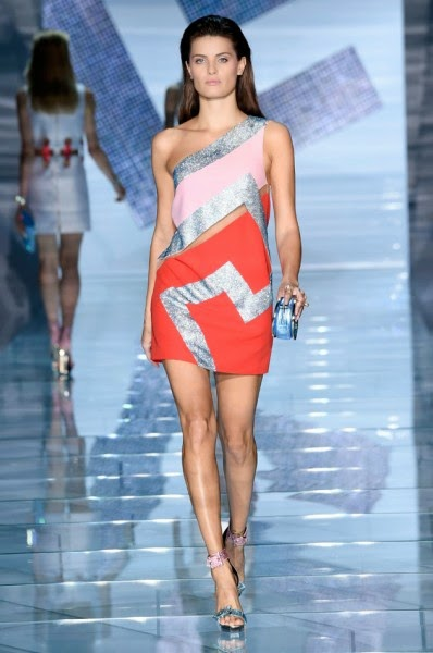 Logo trago pra vocês tudo que está rolando na Semana de Moda de Paris! 4963b40d3a