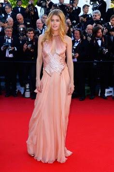 Doutzen Kroes in Atelier Versace in Cannes 2013