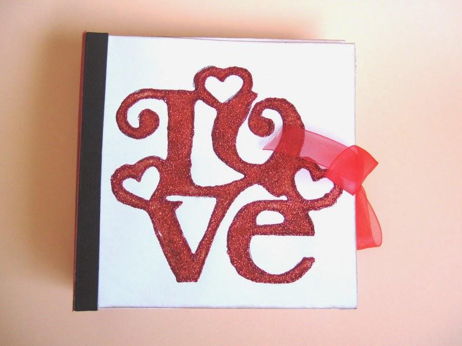 resultado final del tutorial LOVE mini-álbum scrapbook, vista frontal