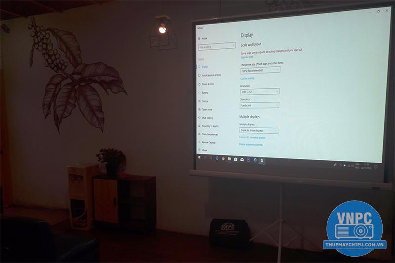 Cho thuê máy chiếu tổ chức Offline tại AMA Kafé - Quận 3