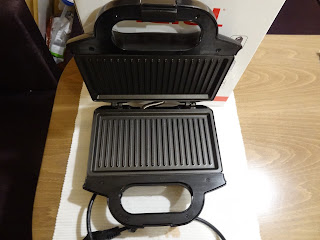 sandwich maker Tefal - cleaning