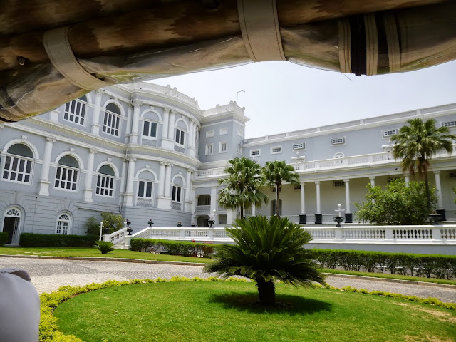 Falaknuma Palace Images: arriving at the palace