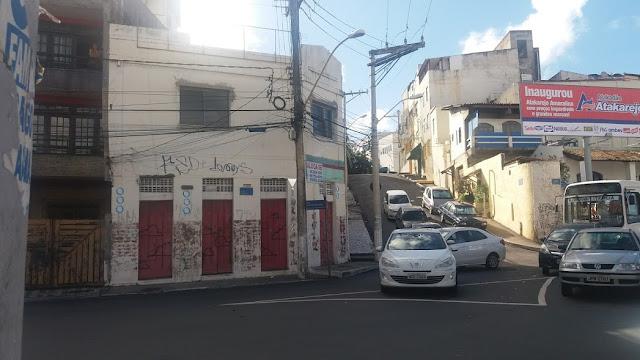 Moradores continuam esperando a faixa de pedestre na Eurycles de Mattos