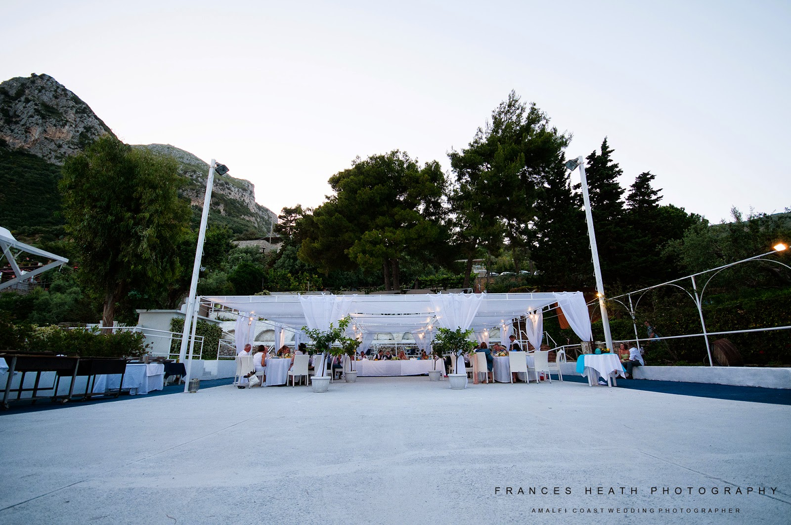 Wedding at the Sassi Beach Club in Nerano