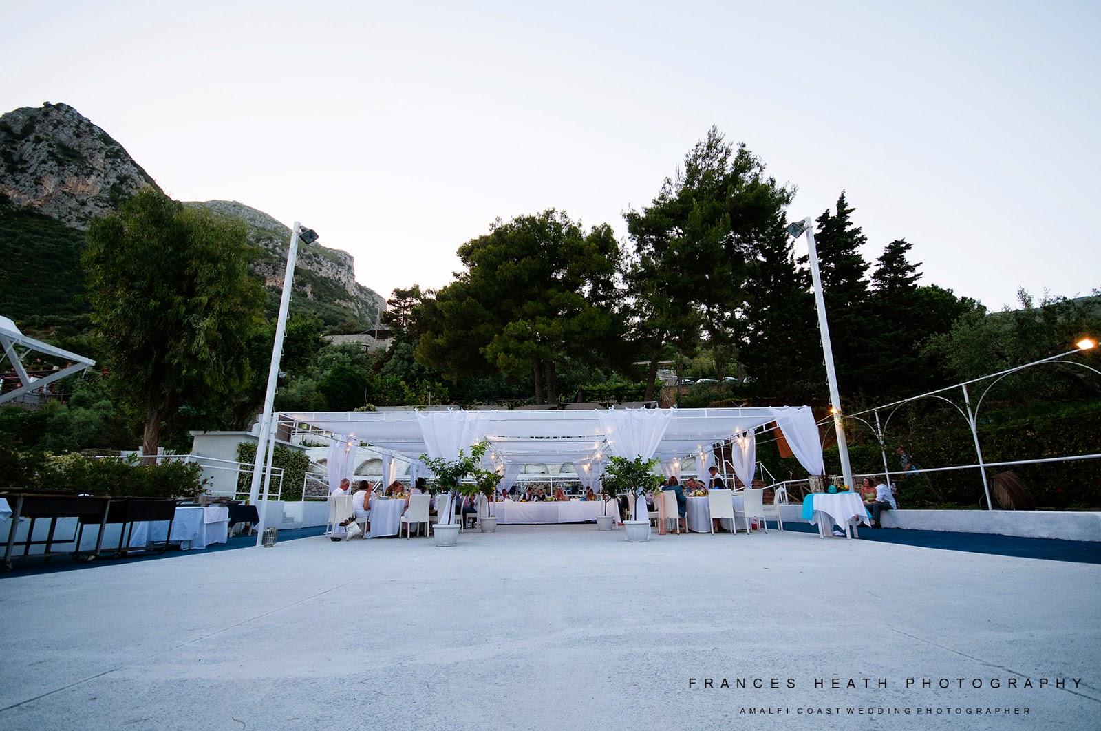 Wedding at the Sassi Beach Club in Nerano