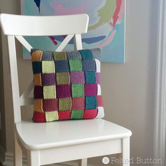 Crisscross pillow  FREE crochet pattern by Felted Button