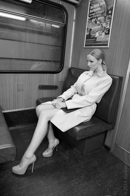 jordan-carver-in-train-by-underground-photo-shoot