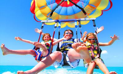 trip-wisata-bali-parasailing-water-sport