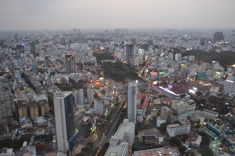 Tour Bitexco, Ho Chi Minh, café Héon