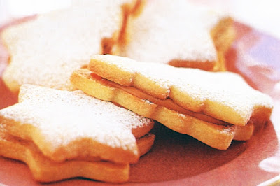 Caramel almond shortbreads Recipe