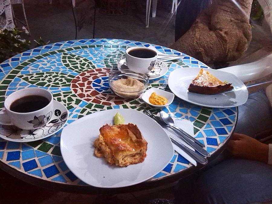 Pastel de pollo, café, La Cucarda, Lambayeque, Perú