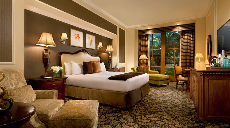 Bedroom Glamor Ideas: Mediterranean Bedroom Glamor Ideas.