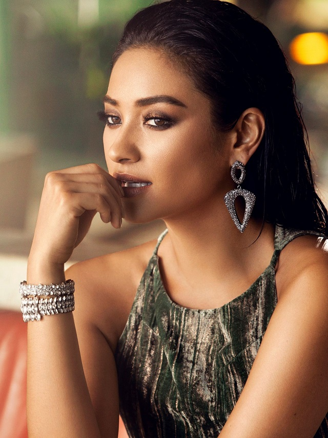 Shay Mitchell launches jewellery collection with Baublebar