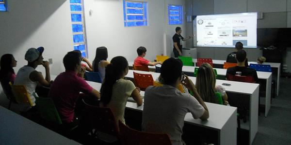 Universidade Aberta Integrada abre 24 mil vagas para cursos gratuitos de TIC.