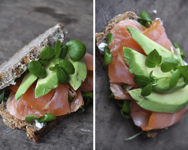 sandwich med laks og avocado