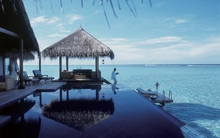 wisata pantai maldives