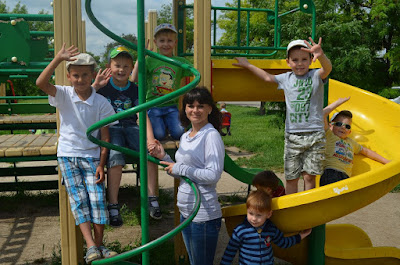 http://yakimgimnazia.at.ua/news/movnij_tabir_u_nvk_jakimivska_gimnazija/2016-06-06-90