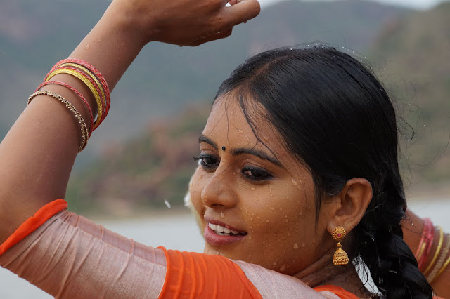 Lajja-Telugu-Movie-stills