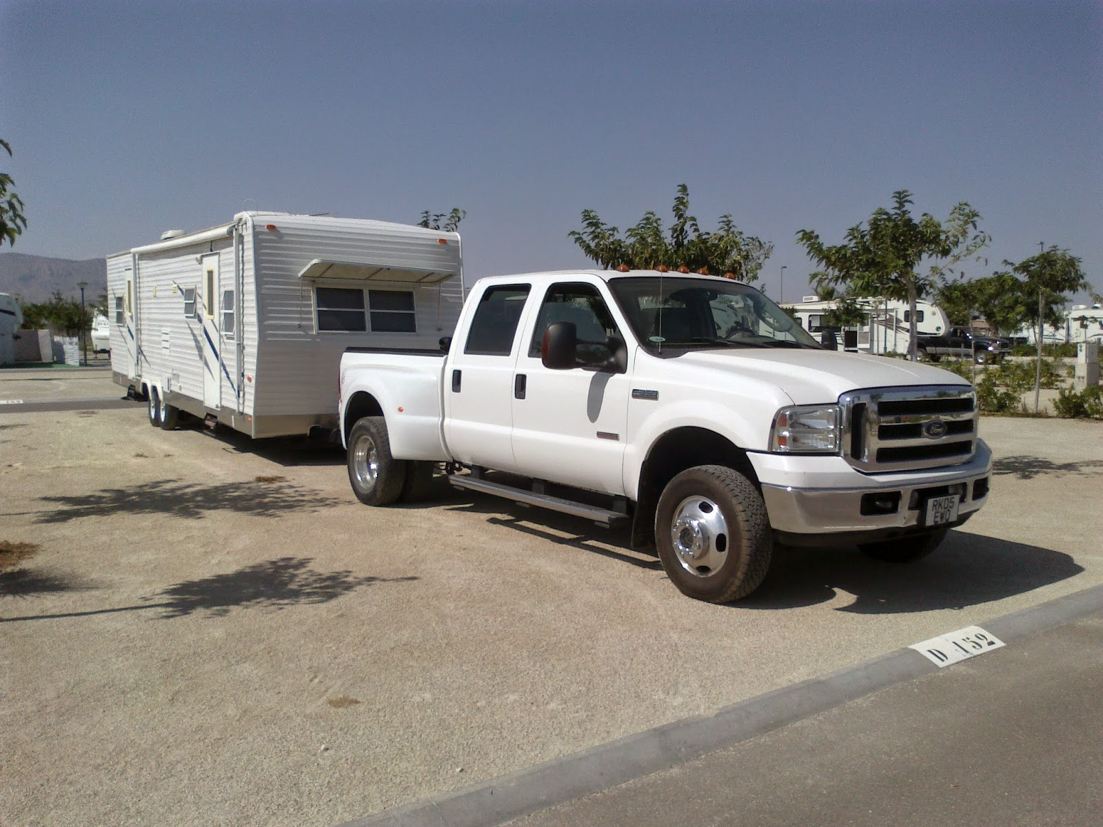 American caravan transport and delivery to Spain