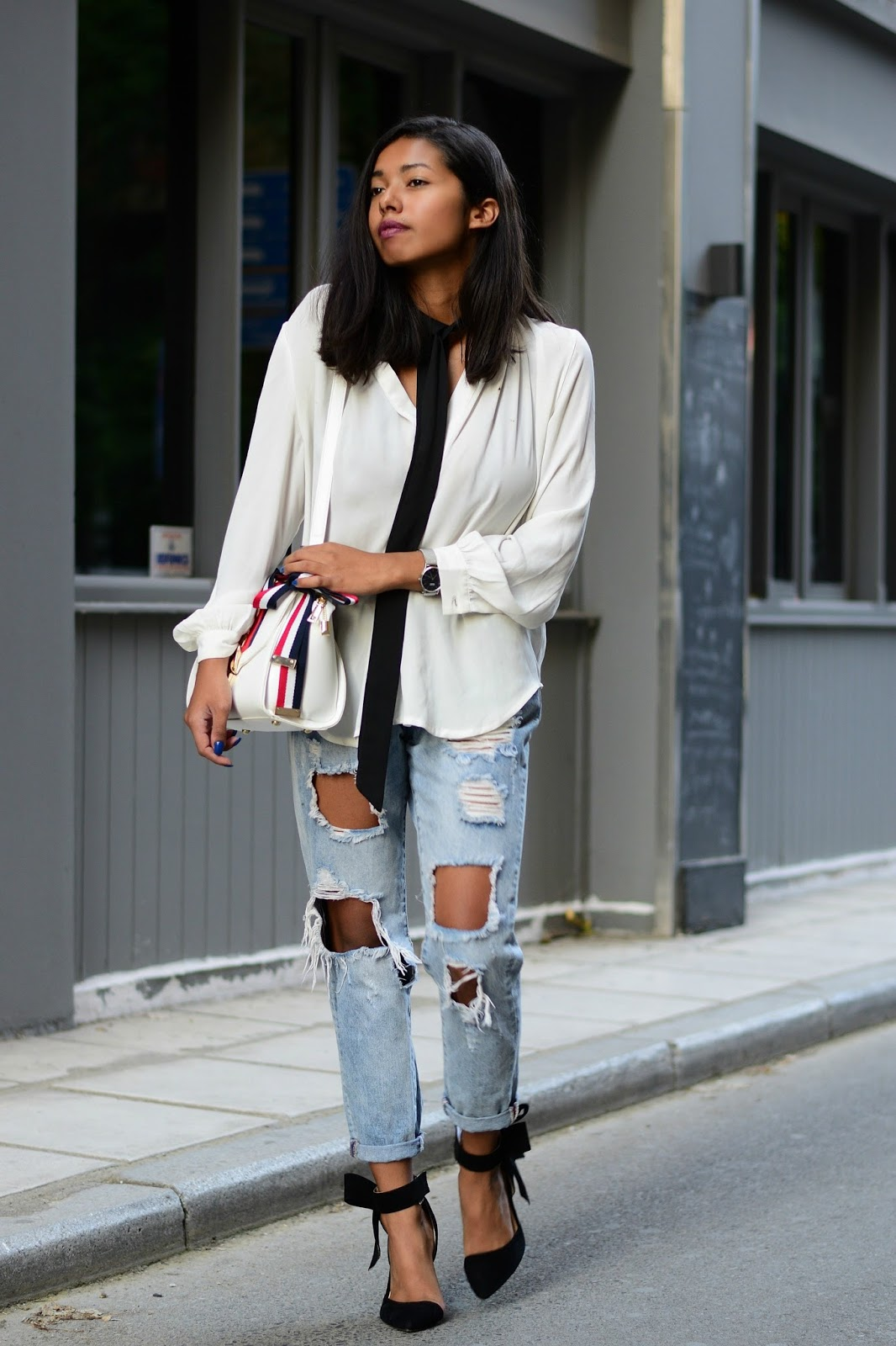 outfit ideas with super slim scarfs