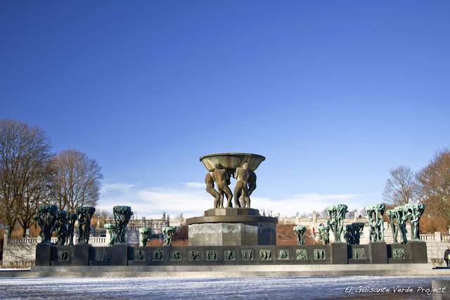 Vigeland Park, Fuente - Oslo por El Guisante Verde Project