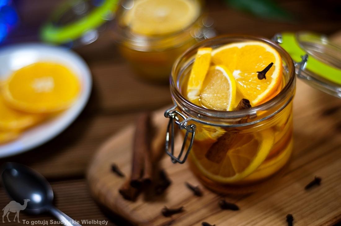 Cytryny i pomarańcze w syropie karmelowym