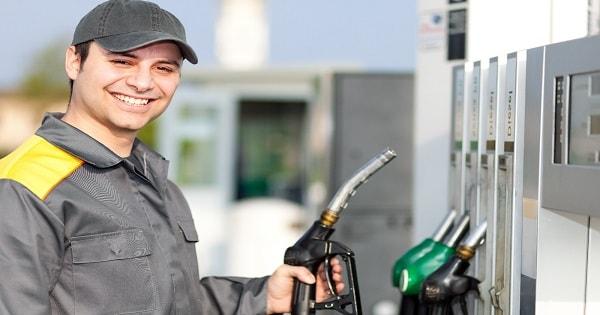 Posto de gasolina contrata Atendente Sem Experiência no Rio de Janeiro