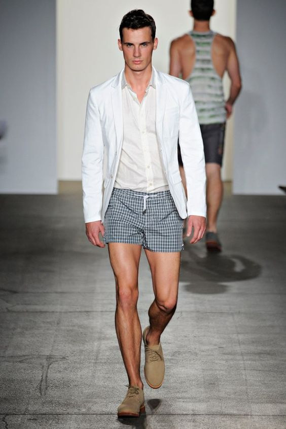look masculino com short curto